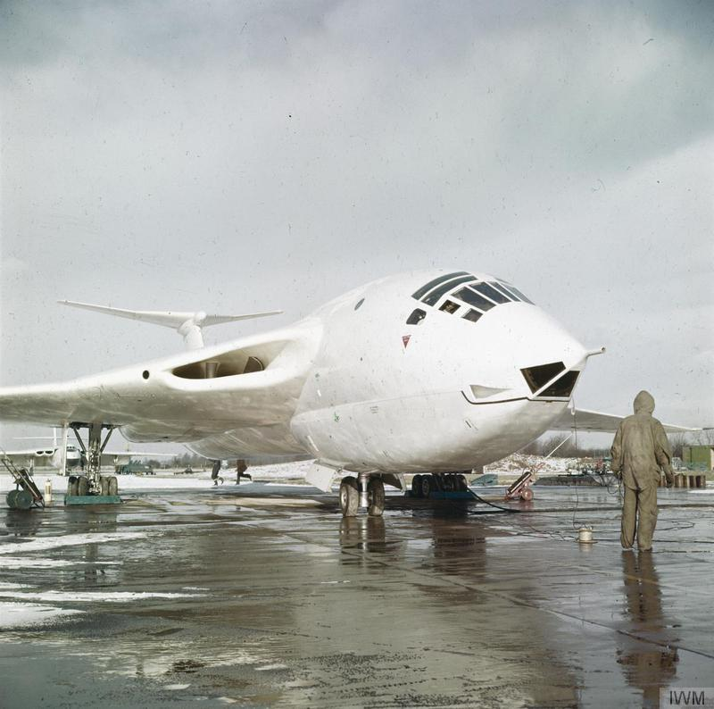 Cold War Bomber The Handley Page Victor In Photographs