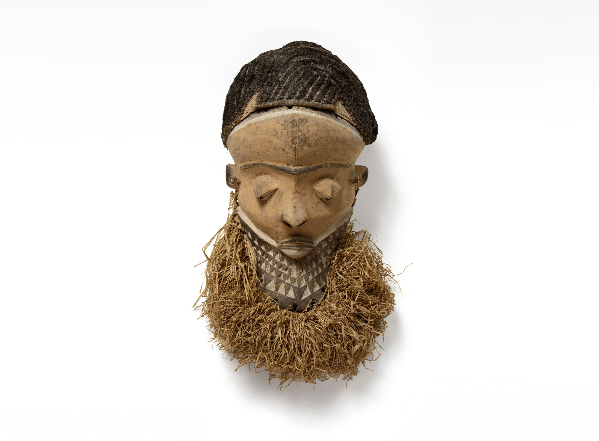 a photo of an African mask