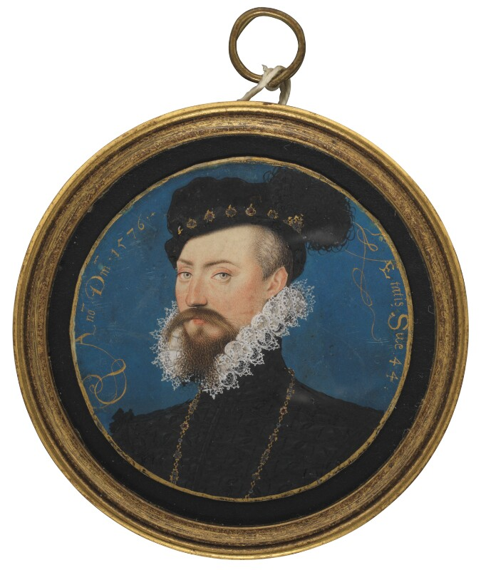a miniature portriat of Rober Dudley looking dapper with a ruffled collar and black velvet hat