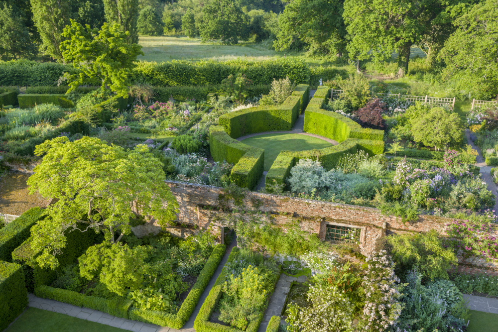 Aerial photograph of garden with circular topiary hedges