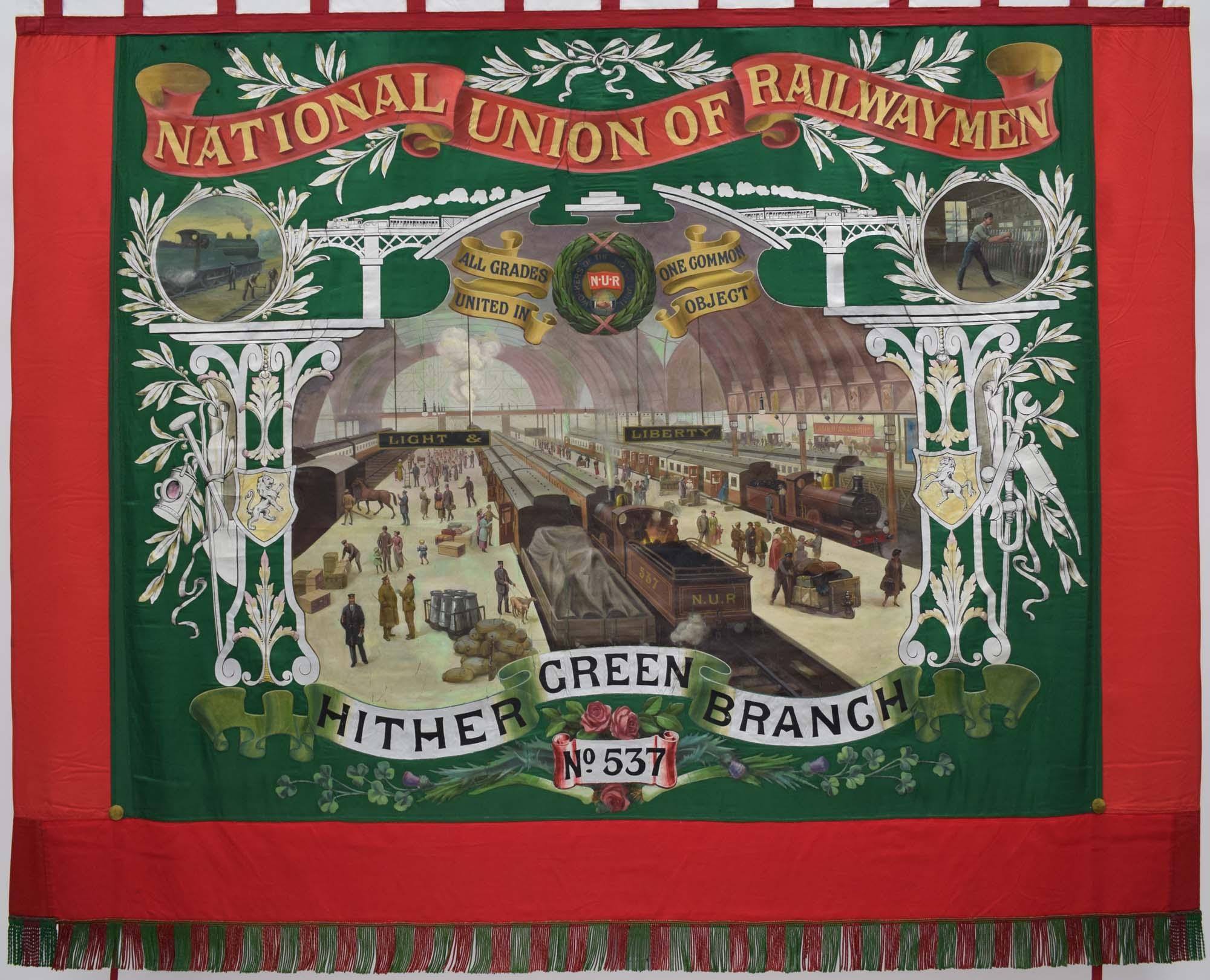 national Union of railwaymen Banner with central panel depicting Paddington Sation with scrolls above and below