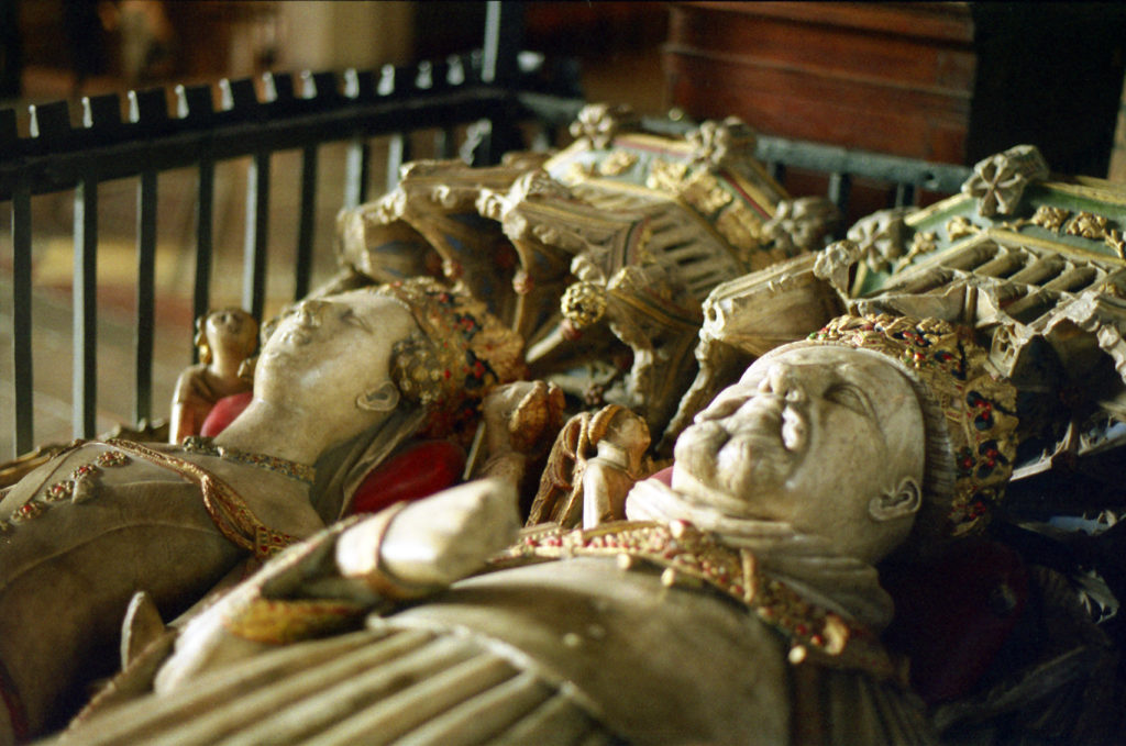 photograph of the tomb of Henry IV, showing the king's and his wife's effigies