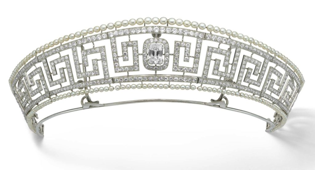 a photo of a diamante tiara