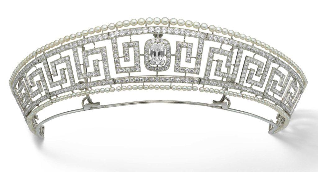a photo of a diamante tiara