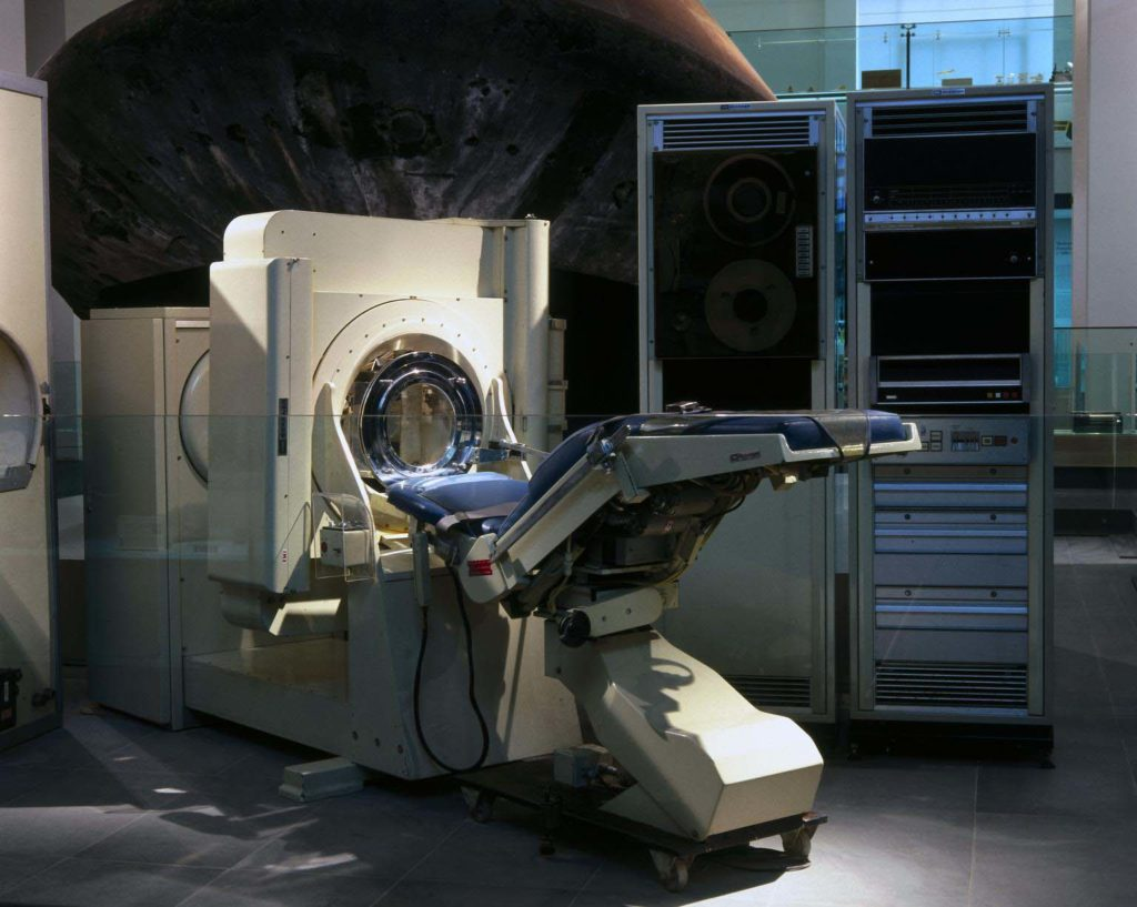 a photo of an MRI scan machine