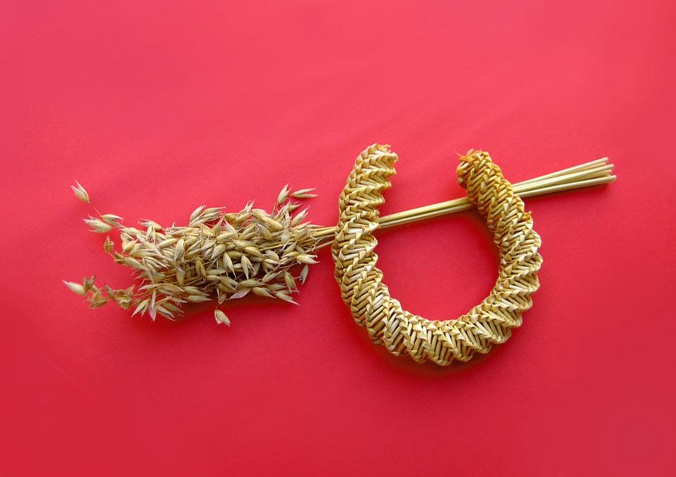 photograph of corn dolly shape like a horseshoe