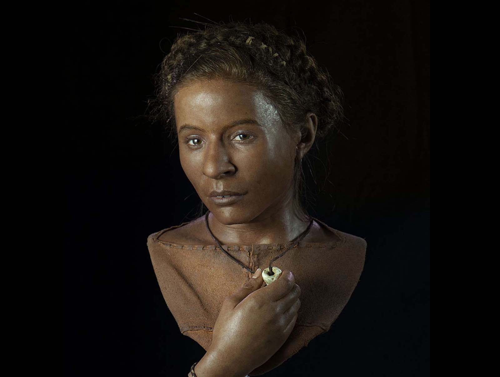 a photo of a recreated woman with a brown eyes and brown skin