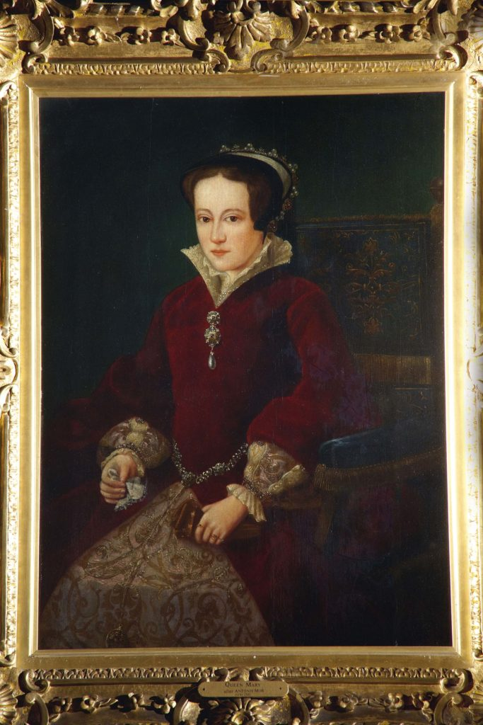 a painted portrait of a Tudor queen