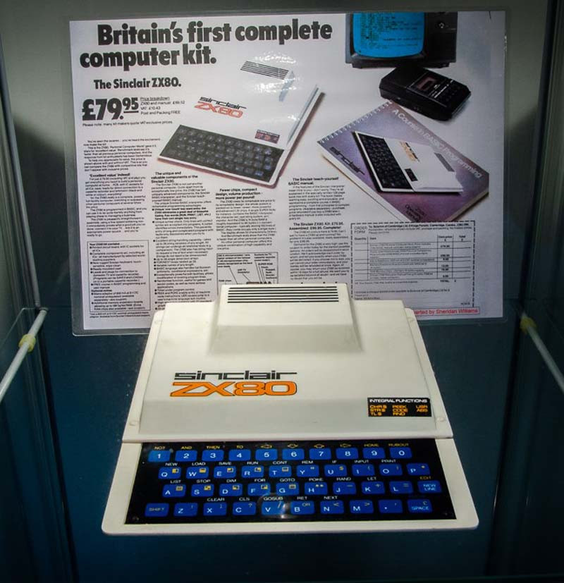 a photo of an ealry computer resembling a typewriter