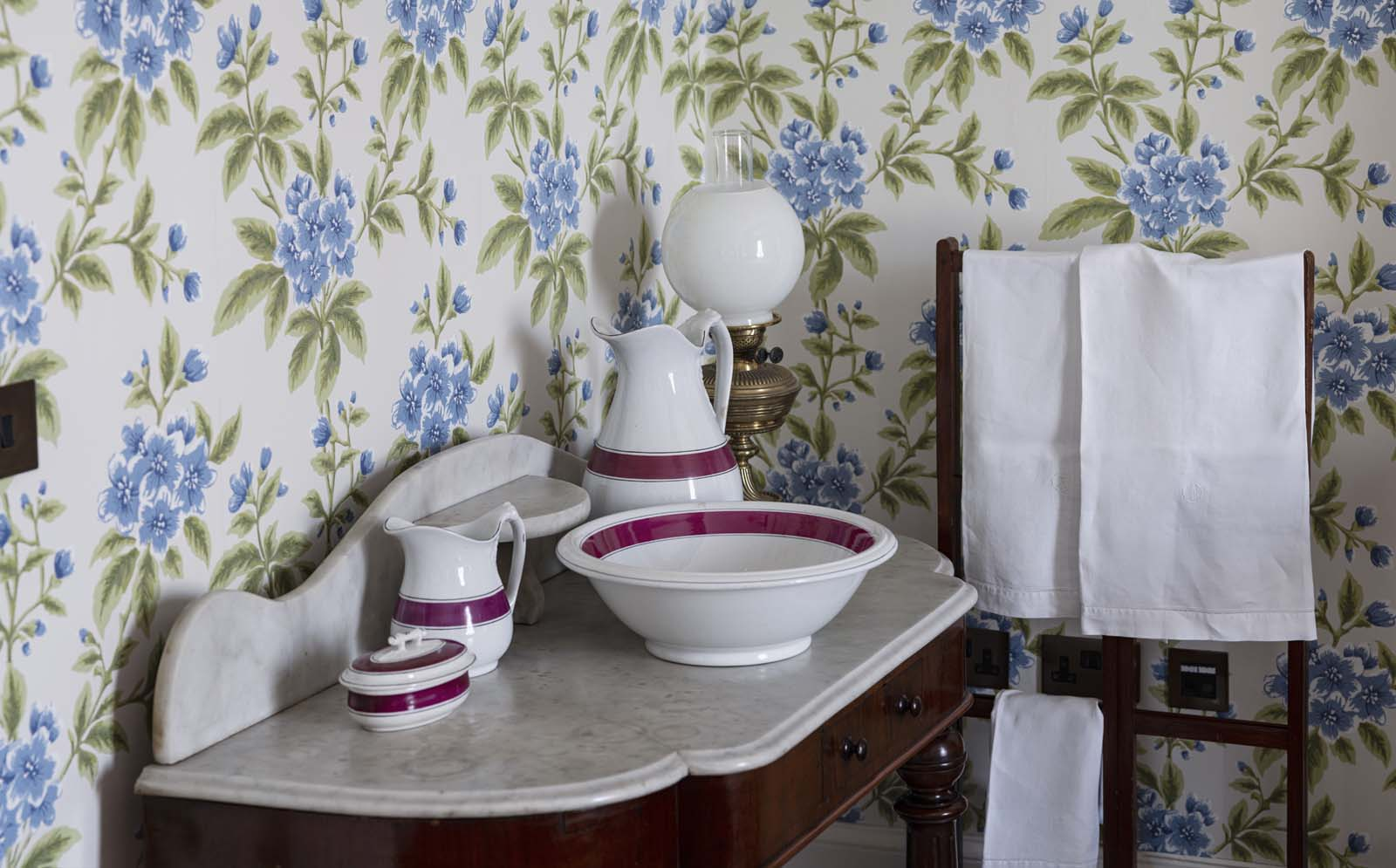 photo of a Victorian washstand in a bedrooom