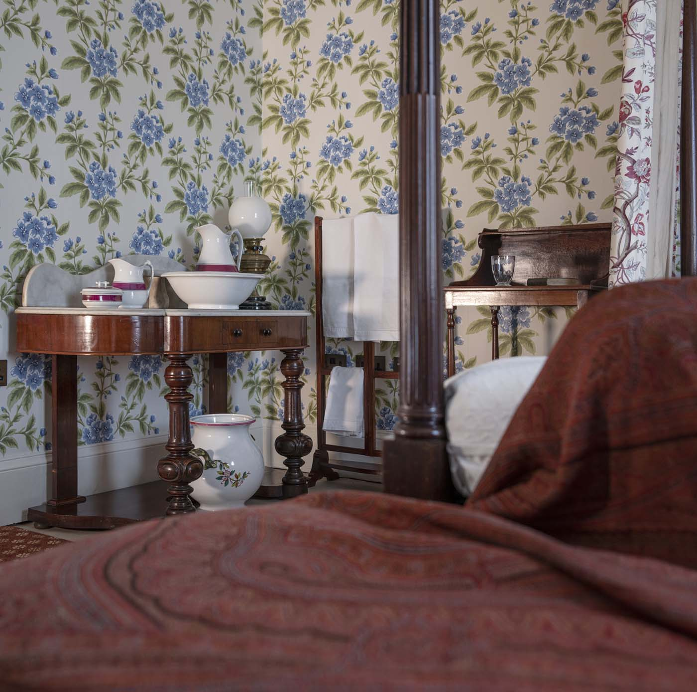 photo of a Victorian bedroom