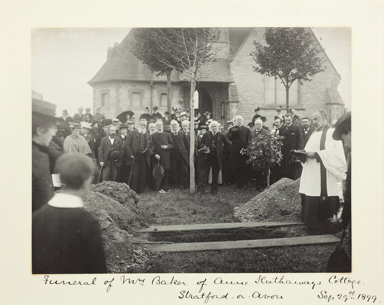 Victorian photo of a funeral scene in a churchyard